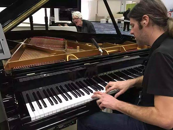 美森家族钢琴如约参加美国namm show乐展